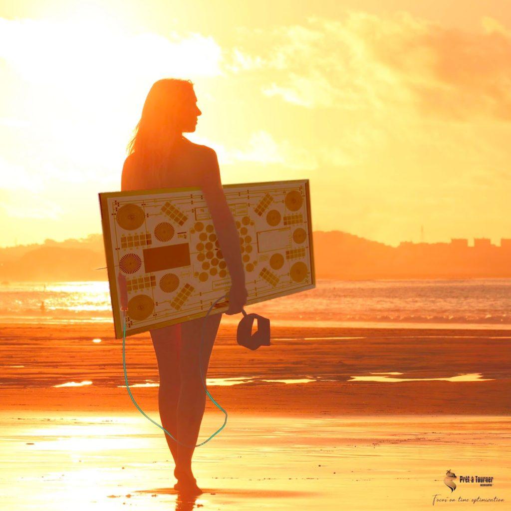 Surf woman PAT